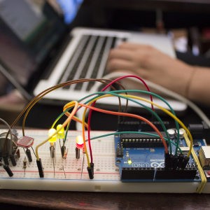 Testes com Arduino e componentes eletrônicos