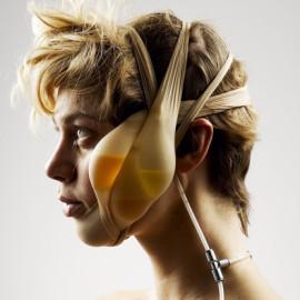 Referência da pesquisa sobre extensões do corpo – Lucy McRae